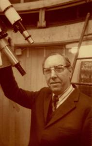 Hans Schäfer am Fernrohr 1978 (Foto RGA)